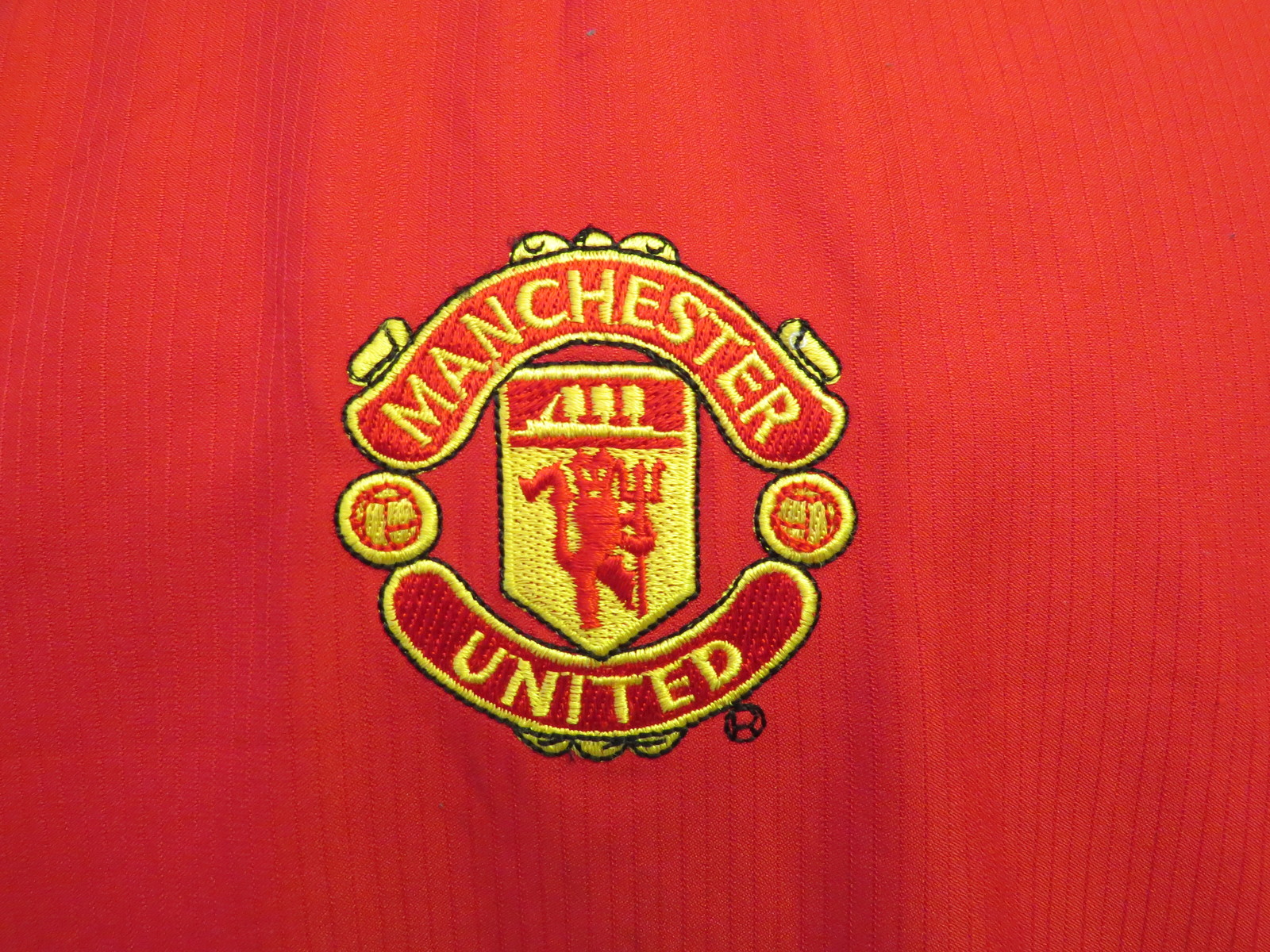 8442f354f Manchester United Jersey - 2004 2005 Home Red Jersey - By Nike 90 - Men s