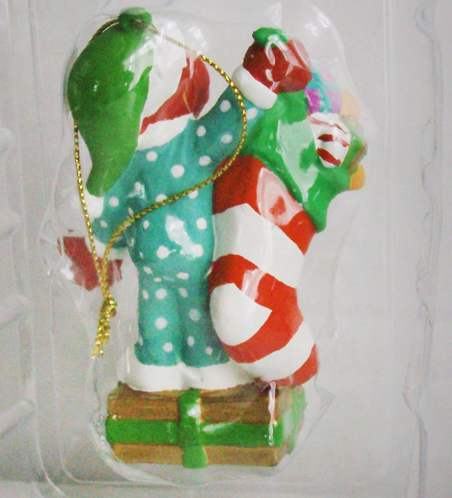 ELMO WITH STOCKING & TOYS CHRISTMAS TREE ORNAMENT MINT IN BOX. SESAME ST MUPPET