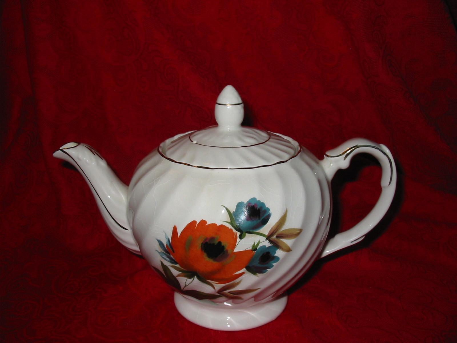 Vintage Ellgreave England Teapot