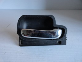 Lincoln Town Car Cartier 1998 To 2002 Right Passenger  Interior Door Handle Oem - $16.61