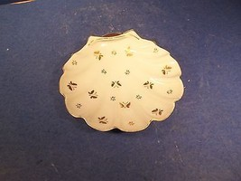 VINTAGE CERAMIC CLAM SHELL SHAPE DISH GOLD BUTTERFLY DESIGN - $15.99