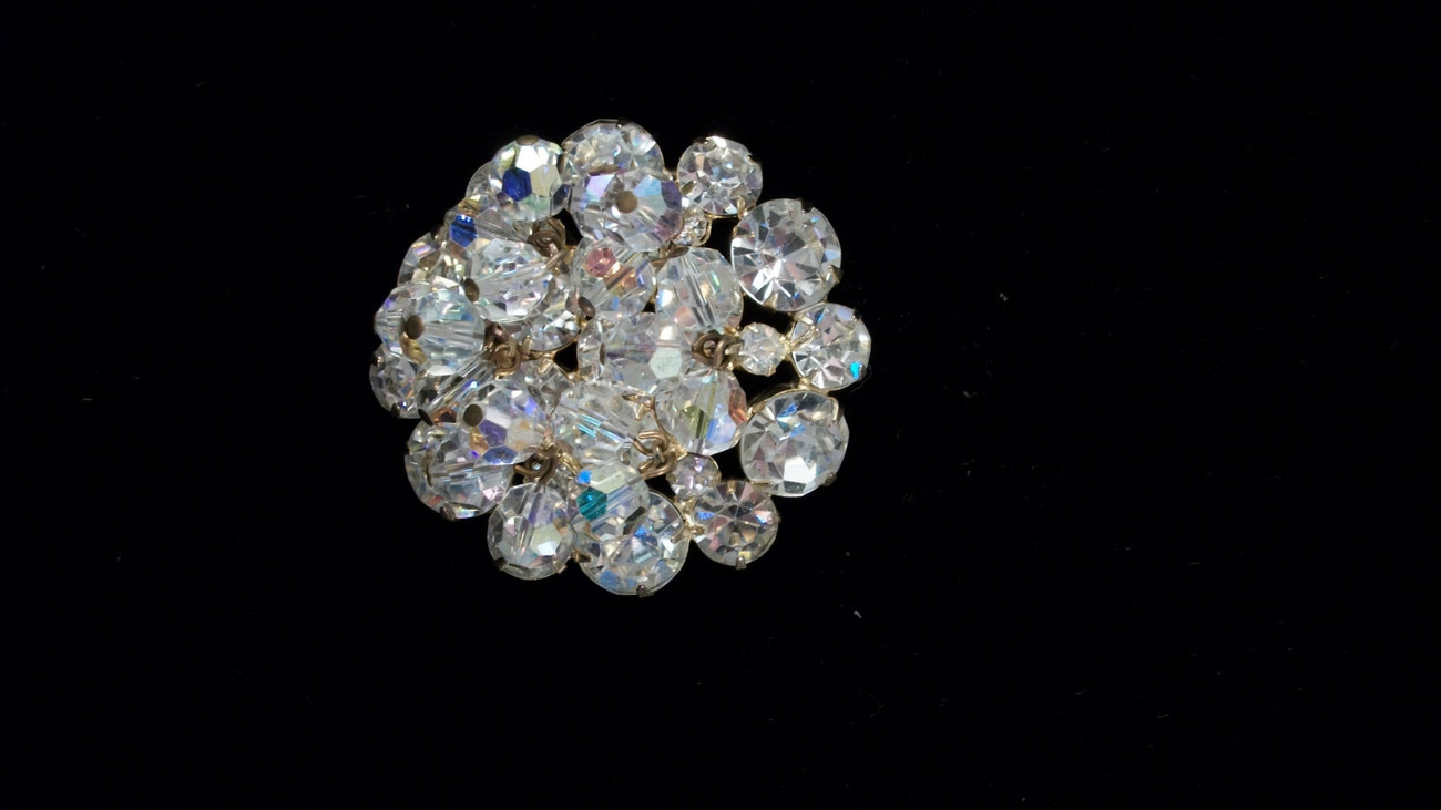 D & E Faceted Crystal Beads Brilliant Round RS Gold Plated Circle Brooch 3248