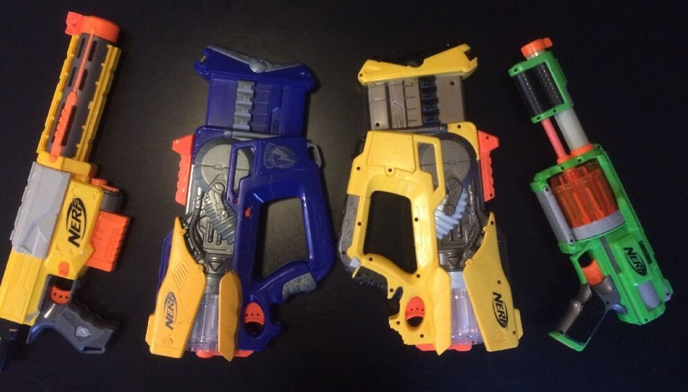 Lot 4:2 Nerf N-Strike Firefly Rev-8 Blaster Barrel Flash,1 Recon CS6,1 Dart Tag