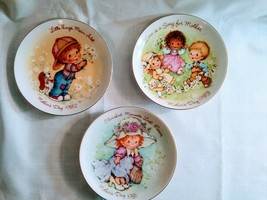 Vintage Lot of 3 Collectible AVON Mothers Day Small Plates 1981,1982,1983. - $14.65