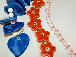 NEW 7 IN. CERAMIC BEAD STRANDS BLUE HEARTS RED FLOWERS-WHITE ROUND W/PIN... - $4.46+