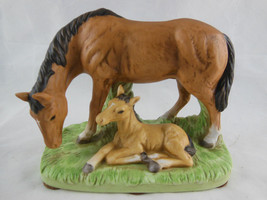 Masterpiece Porcelain HORSE w colt baby Home Interiors HOMCO Figurine 4.5 X 5.5 - $24.74