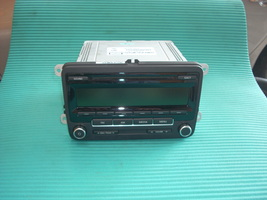 2012 VW GOLF RADIO 1K0035164D image 1