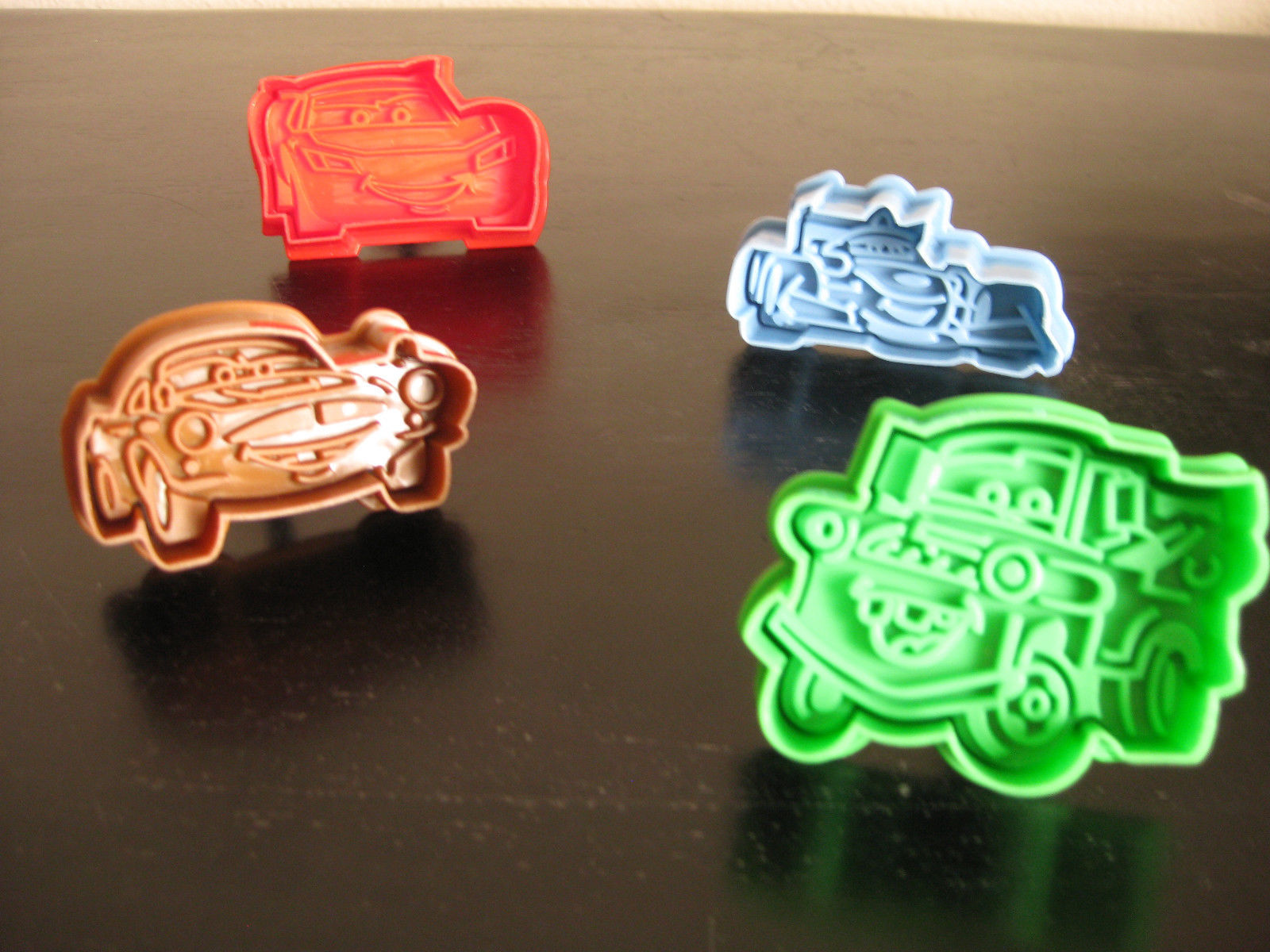 CARS LIGHTNING McQUEEN COOKIE CUTTER MOLD CUPCAKE BIRTHDAY PARTY FAVOR SET