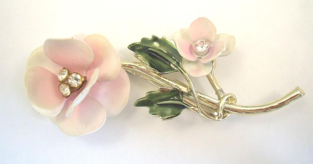 Pale pink roses enamel flower brooch