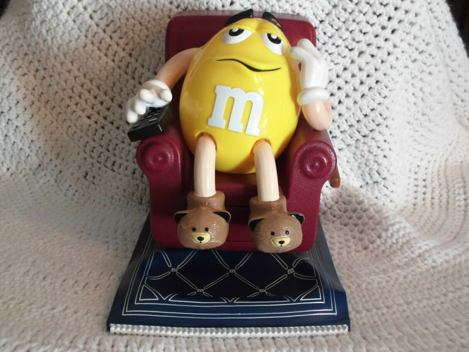 1999 M & M's Lazy Boy Recliner Easy Chair Yellow Candy Dispenser - $9.99