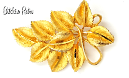 BSK Vintage Leaf Brooch with Ribbon Detail and Retro Style - $19.00