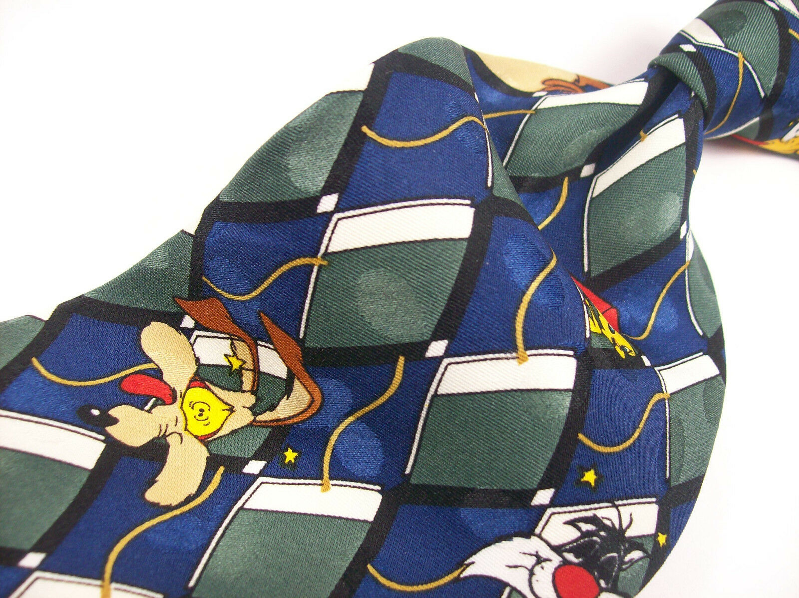 Primary image for LOONEY TUNES Characters Novelty  Mens 100 SILK Necktie  8-1225