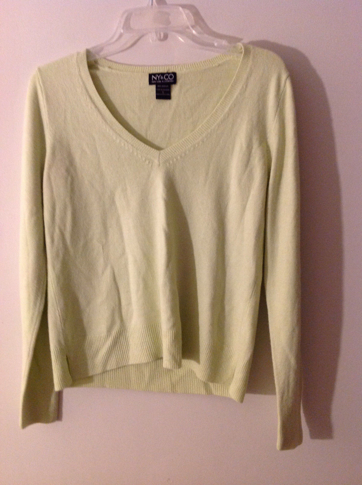 New York & Company Women's Size S Sweater w/ V Neck Lime Yellow Green Thin Knit