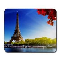 Eiffel Tower Design 1 - €6,99 EUR