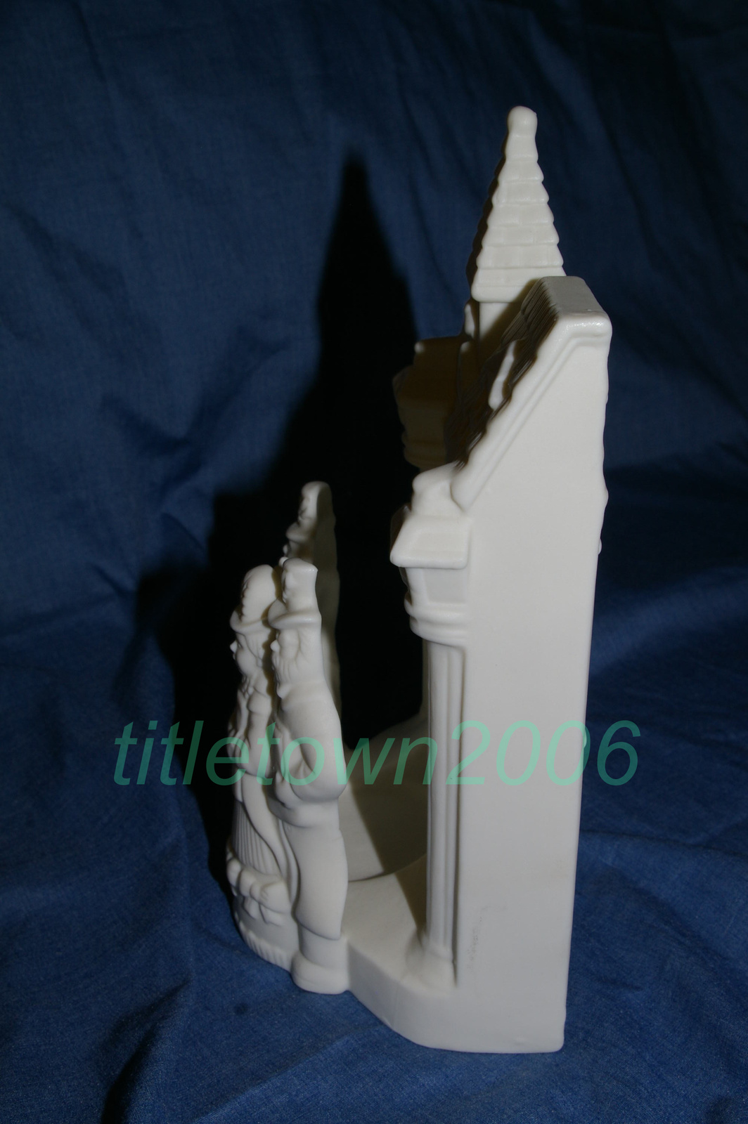 Primary image for PartyLite Village Carolers Tealight Holder RETIRED