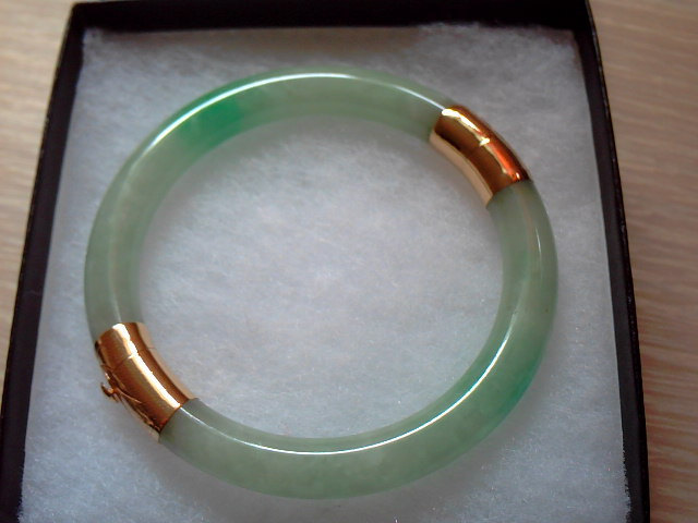 Antique Natural Chinese Green Jadeite Jade Bangle Bracelet 14K Solid Yellow Gold