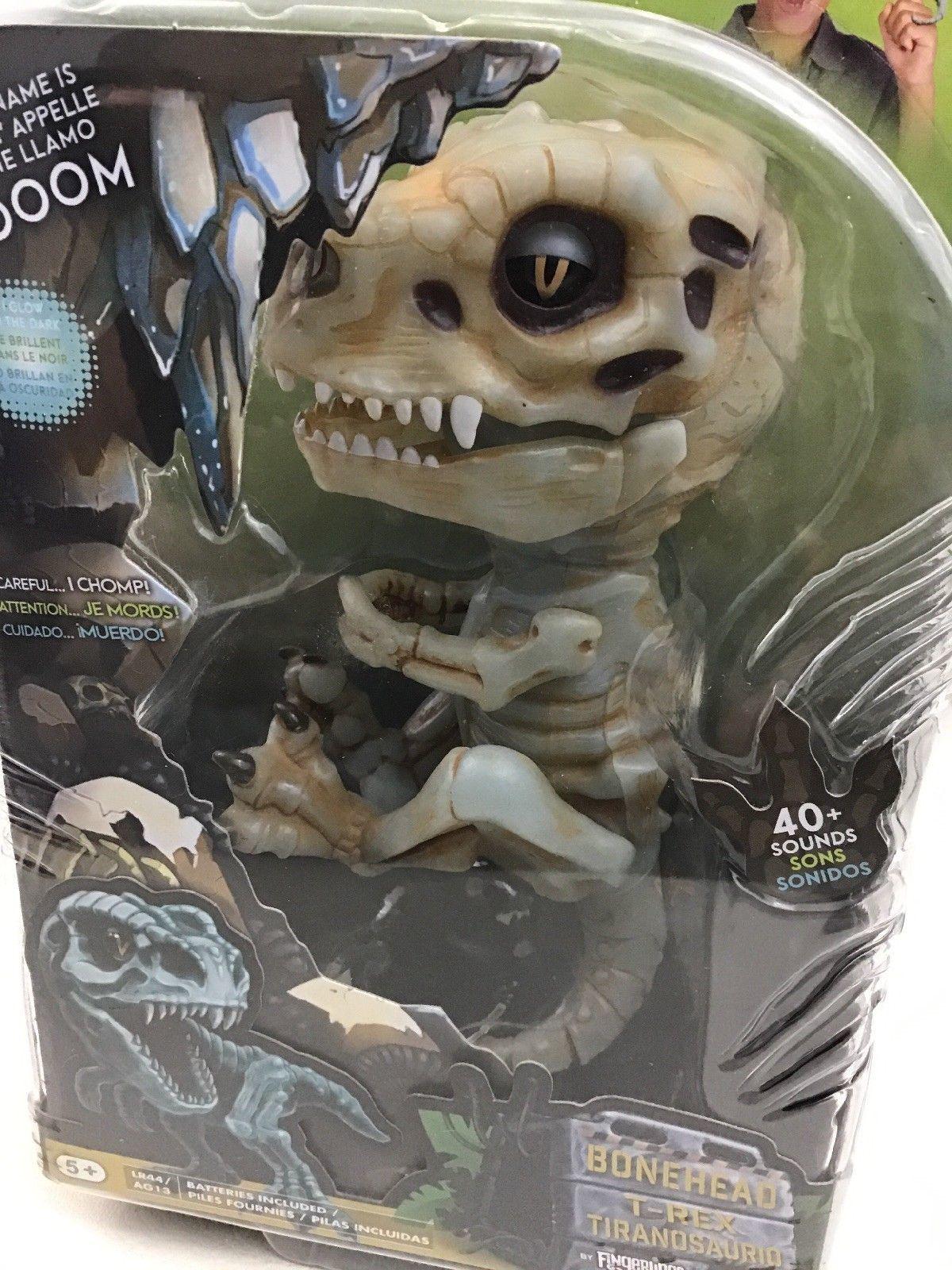 Untamed Fingerlings Gloom Baby Dinosaur T-Rex Glow In The Dark Bonehead Sealed