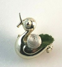 Jewelry Vintage Brooch Silvertone Duck with Ribbon - $6.33