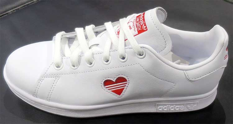 best website e0aee 2e835 Adidas Originals Stan Smith W  Valentine s Day  White G27893