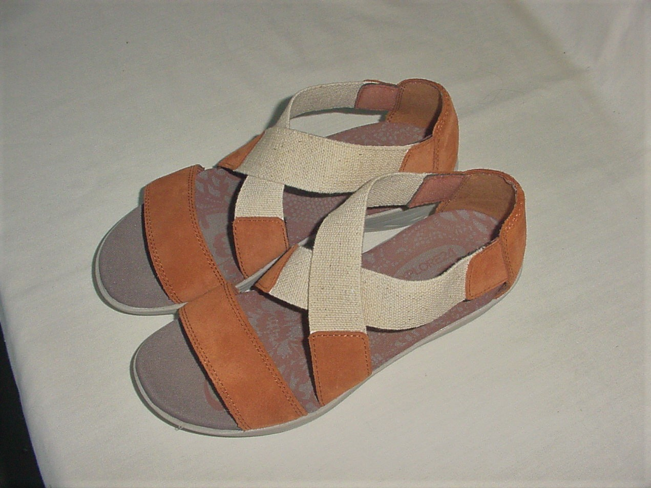 Brand New in Box EASY SPIRIT Express 24 Wedge Sandals Retail $79 Size 5.5 M - $50.00