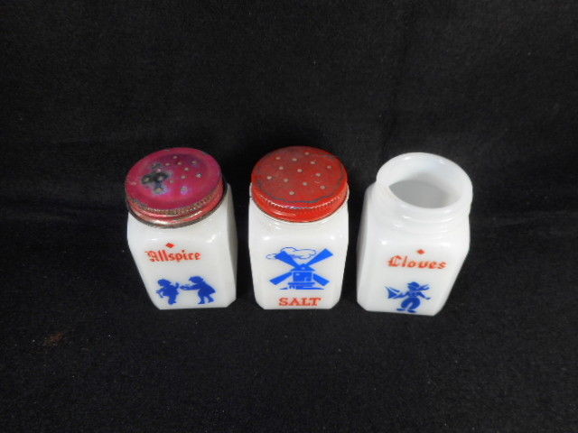 Vintage Kitchen 3 Dove Dutch Milk Glass Spice Jars Two with Lids