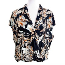 Leith Womans Medium V-Neck Floral Blouse - $12.77