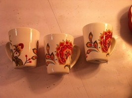 BETTER HOMES COFFEE MUGS / CUPS X 3---BHE4--FLORAL--ORANGE---FREE SHIP--VGC - $22.92
