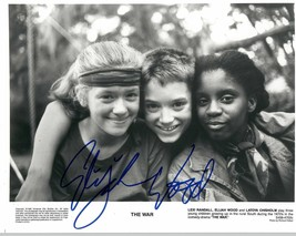 Elijah Wood Signed Autographed Glossy 8x10 Photo - $29.99