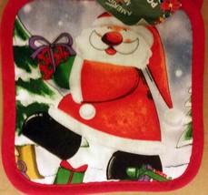Set Of 2 Printed Kitchen Pot Holders, Christmas, Happy Santa, Red Back, Am - $7.91