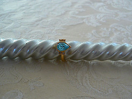 Beautiful Vintage Avon Goldtone Baby Blue Crystal Ring - $14.84