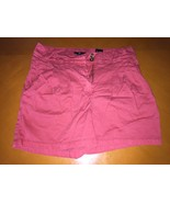 Woman's H&M Pink Salmon Color Chino Shorts Size US 8 or EUR 38 - $9.89