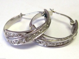 Vintage Estate 18K White Gold Criss Cross Hoop Earrings with 1 Carat CZ - €508,49 EUR