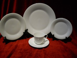 Royal Doulton Innocence 5 piece place setting - $38.56