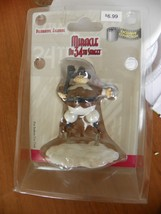 NIP COLLECTIBLE MIRACLE ON 34TH STREET DECORATIVE PILGRIM FIGURINE - $2.41
