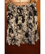 Luna Chix Black and White Floral Skirt - Size XL - $14.99