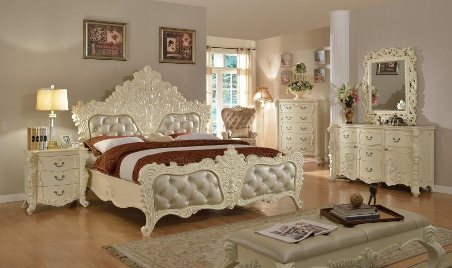 Meridian Novara King Size Panel Bedroom Set Traditional Style 2 Night Stands
