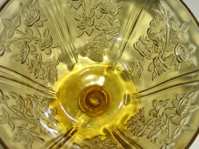 "Depression Glass Amber ""Sharon"" Lidded Candy Dish - Federal Glass Co. - 1935-39"