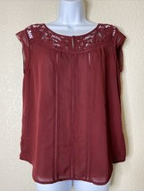 Ann Taylor Womens Size S Maroon Sleeveless Blouse Lace Embellished Neck - $14.85