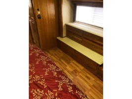 2008 Monaco CAMELOT 42PDQ Used Class A For Sale In Gallipolis, OH 45631 image 5