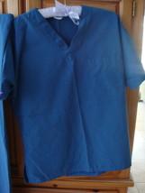 Womens BlueGreen Scrubs Size Small Beautiful Condition - $24.99