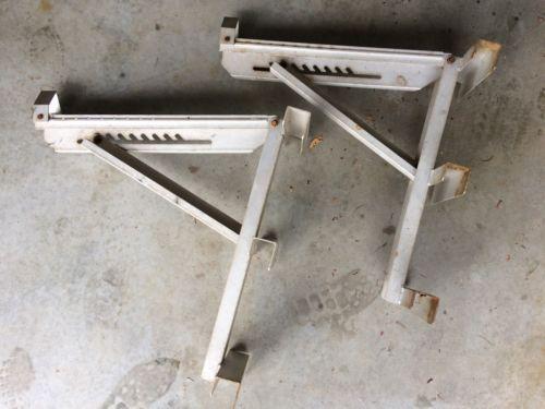 Pair of Aluminum 3 Rung Long Body Adjustable Ladder Jacks 5-94