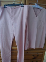 women's pink scrubs size small beautiful condition - $24.98