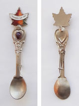 Collector Souvenir Brooch Pin Spoon Canada Ontario Thunder Bay Maple Leaf - $9.99