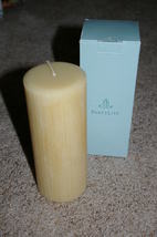 Partylite Champagne Pear Celebration 3x7 Pillar - $11.00