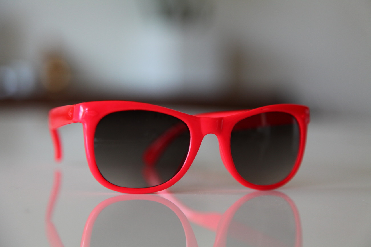 Classic Tortoise Sunglasses Hot Red/ Dark Lenses