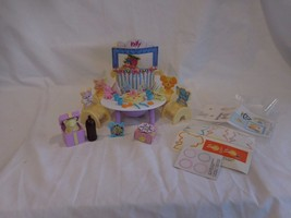 BARBIE DOLL Kelly BIRTHDAY PARTY Suprise PLAYSET Collector 1999 VINTAGE - $30.42
