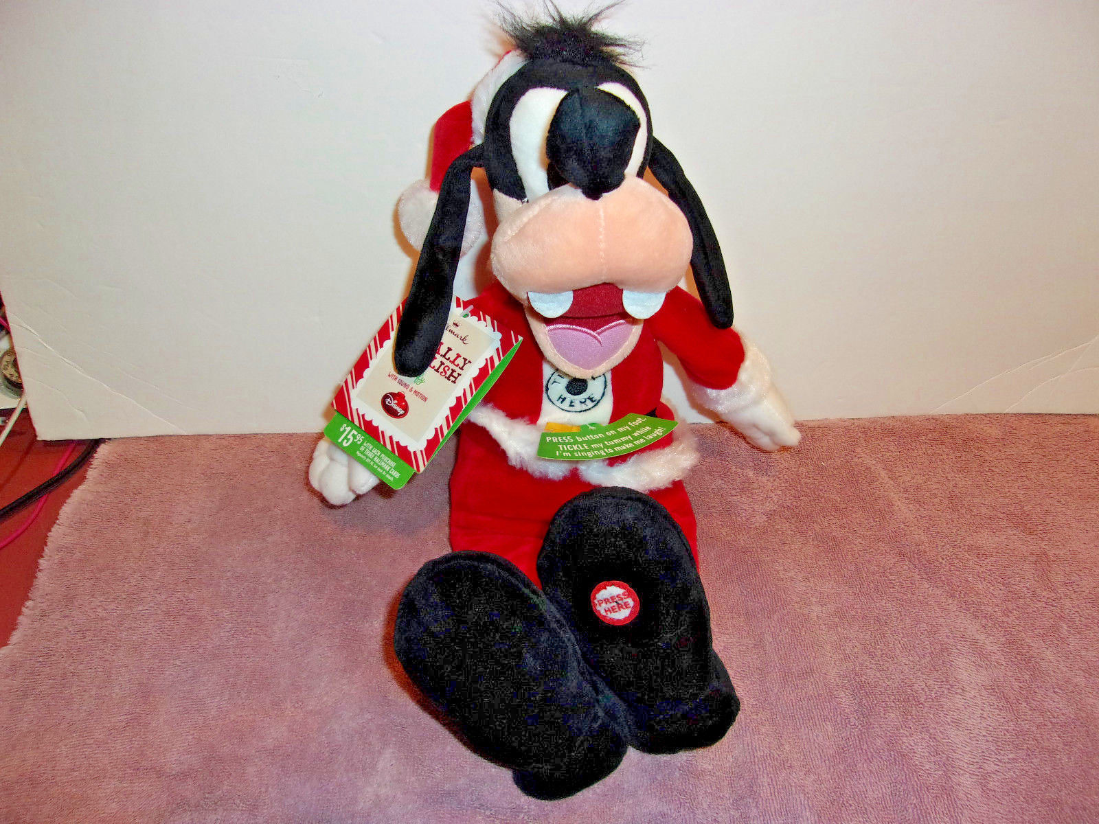 DISNEY Hallmark Christmas Totally Ticklish Goofy Sound & Motion NEW WITH TAGS
