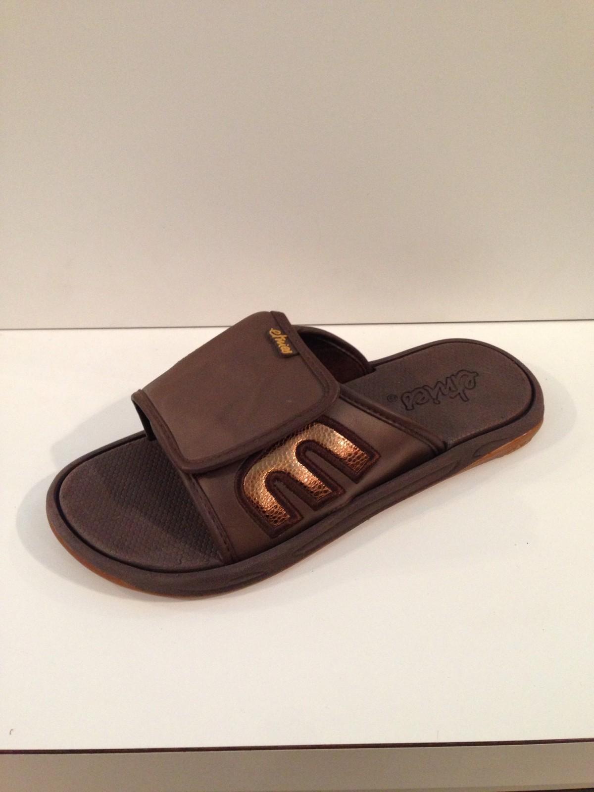 etnies sandals