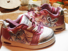 TDL Tinker Bell sneakers girls size 8 - $8.00