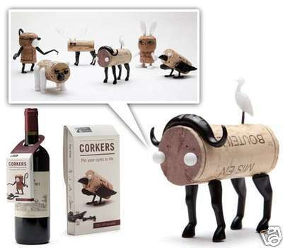 Gifts Wine bottle Corks Craft Puzzle Shelf Designed Funny Home Decorative Monke